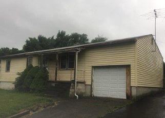 Foreclosed Home en SPRING ST, Hudson, NY - 12534