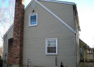 Foreclosed Home en BEACH AVE, Terryville, CT - 06786