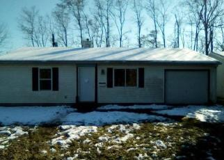 Foreclosed Home en SAINT GREGORY DR, East Saint Louis, IL - 62206