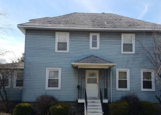 Foreclosed Home in STATE LINE RD, Calumet City, IL - 60409