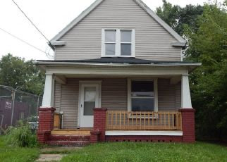 Foreclosed Home en RAYMOND ST, Akron, OH - 44307
