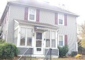 Foreclosed Home in CHESTNUT ST, Gloucester City, NJ - 08030