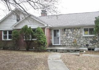 Foreclosed Home en MANOR WAY, Brewster, NY - 10509