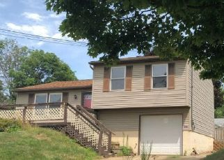 Foreclosed Home en OAK AVE SE, Massillon, OH - 44646