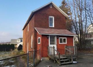 Foreclosed Home en BARBOUR PL, New Castle, PA - 16101