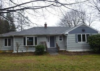 Foreclosed Home en BUCKINGHAM ST, Watertown, CT - 06795