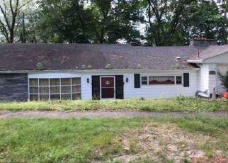 Foreclosed Home in WESTRIDGE DR, Waterbury, CT - 06708