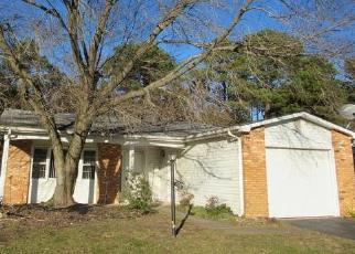 Foreclosed Home in COURTSHIRE DR, Brick, NJ - 08723