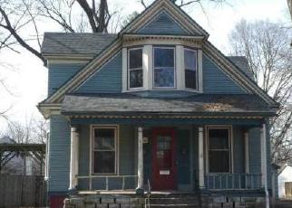 Foreclosed Home en S GLENWOOD AVE, Springfield, IL - 62704