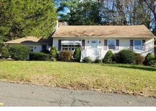 Foreclosed Home en EDWARD RD, Seymour, CT - 06483