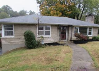 Foreclosed Home in SOUTHVIEW RD, Louisville, KY - 40214