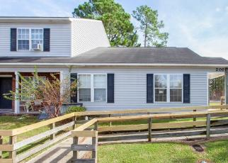 Foreclosed Home in PALACE CIR, Jacksonville, NC - 28546
