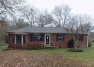 Foreclosed Home in MEADOW GROVE LN, Florence, AL - 35633