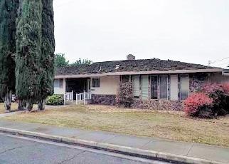 Foreclosed Home en OLD VINEYARD RD, Turlock, CA - 95380