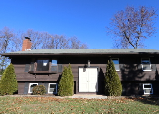 Foreclosed Home en CYNTHIA CIR, Enfield, CT - 06082