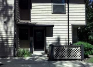 Foreclosed Home en ARCADIA DR, Jacksonville, FL - 32207