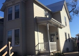 Foreclosed Home in MAPLE ST, Quincy, IL - 62301