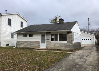 Foreclosed Home en S 13TH AVE, Broadview, IL - 60155