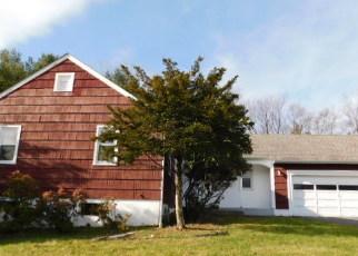 Foreclosed Home en EISENHOWER DR, Middletown, NY - 10940