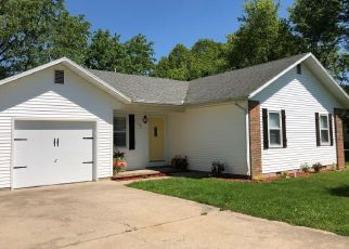 Foreclosed Home en ARRAY ST, Cassville, MO - 65625