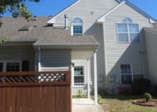 Foreclosed Home en KENSINGTON PL, Yorktown, VA - 23693