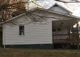Foreclosed Home en SHAFFERS CORNER RD, Uniontown, PA - 15401