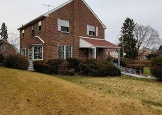 Foreclosed Home en E CLIVEDEN ST, Philadelphia, PA - 19150