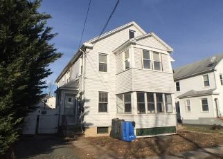 Foreclosed Home en GOODRICH ST, Hartford, CT - 06114