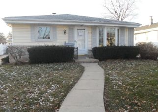 Foreclosed Home en S 94TH ST, Milwaukee, WI - 53228