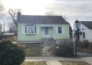 Foreclosed Home en DELAWARE RD, Yonkers, NY - 10710