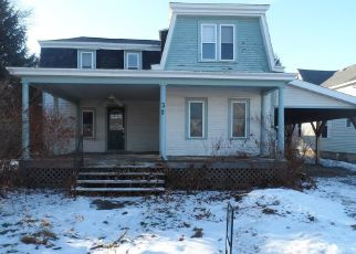 Foreclosed Home en MAPLE ST, Rouses Point, NY - 12979