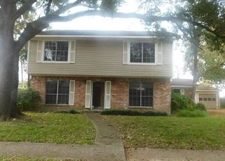 Foreclosed Home in TWIN HILLS DR, Houston, TX - 77071