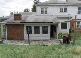 Foreclosed Home en MANDIGO PL, Newburgh, NY - 12550