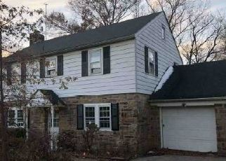 Foreclosed Home en ALAN RD, Norristown, PA - 19401