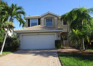 Foreclosed Home en AURORA LAKE CIR, Lake Worth, FL - 33463