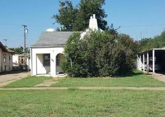 Foreclosed Home in N LEE ST, Altus, OK - 73521