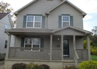 Foreclosed Home en E 61ST ST, Cleveland, OH - 44104