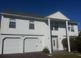 Foreclosed Home en GREENTREE DR, Oceanside, NY - 11572