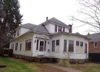 Foreclosed Home in STRATFORD RD, New Britain, CT - 06053