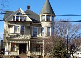 Foreclosed Home in SHERMAN AVE, New Haven, CT - 06511