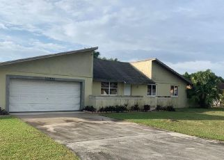 Foreclosed Home en SW 187TH ST, Miami, FL - 33177