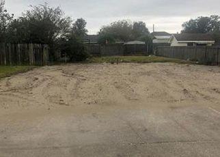 Foreclosed Home in SUNRISE DR, Marrero, LA - 70072