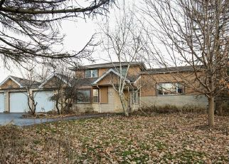 Foreclosed Home en MAVIS AVE, South Elgin, IL - 60177