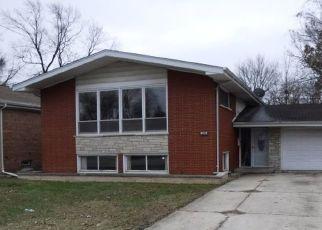 Foreclosed Home en STREAMSIDE DR, Harvey, IL - 60426