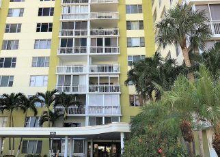 Foreclosed Home en HILLCREST DR, Hollywood, FL - 33021