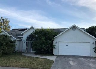 Foreclosed Home in GROVE DR, Naples, FL - 34120