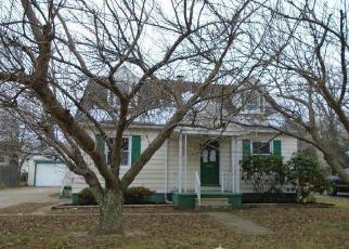 Foreclosed Home in OSBORNE AVE, Vineland, NJ - 08360