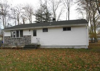 Foreclosed Home en ROOSEVELT BLVD, Enfield, CT - 06082