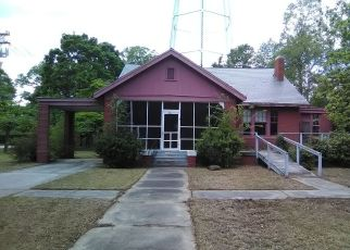 Foreclosed Home in S CALEDONIA RD, Laurinburg, NC - 28352