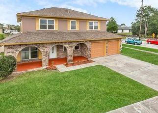 Foreclosed Home in SPANISH OAKS DR, Harvey, LA - 70058